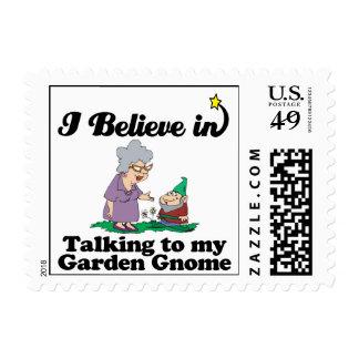 creo en hablar con el gnomo del jardín franqueo