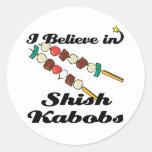 creo en kabobs shish etiqueta redonda