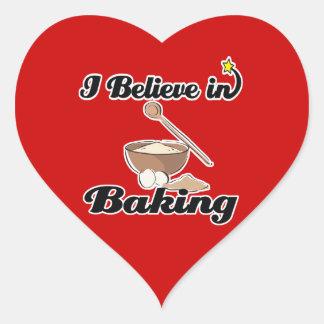 creo en la hornada pegatina en forma de corazón