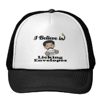 creo en la lamedura de sobres gorra