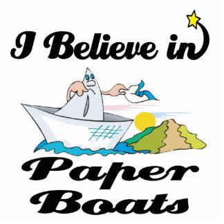 creo en los barcos de papel fotoescultura vertical