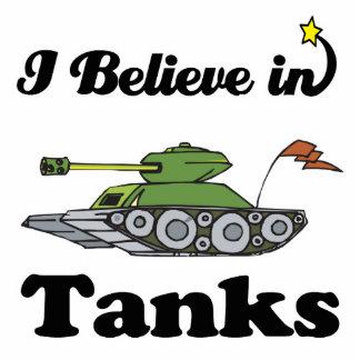 creo en los tanques fotoescultura vertical