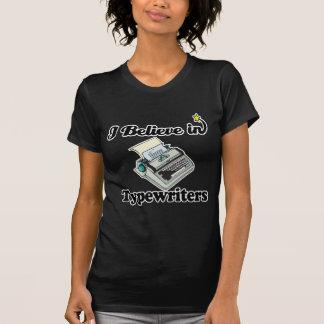 creo en máquinas de escribir t shirt