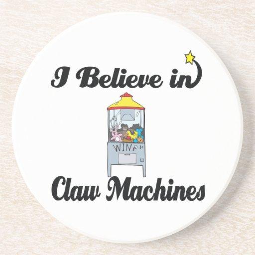 creo en máquinas de la garra posavasos diseño
