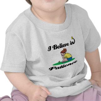 creo en paciencia camiseta