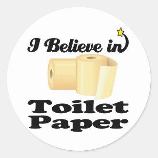 creo en papel higiénico pegatina redonda