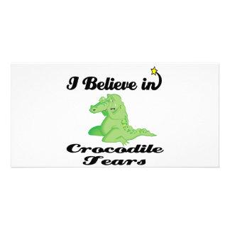 creo en rasgones de cocodrilo tarjeta fotográfica