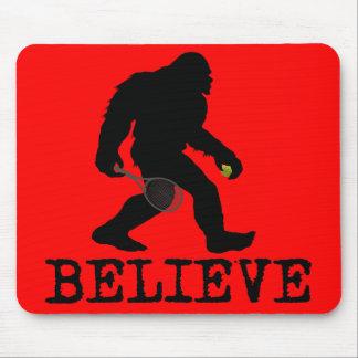 Creo en Sasquatch Alfombrillas De Ratones