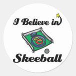 creo en skeeball etiqueta redonda