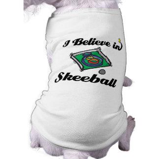 creo en skeeball playera sin mangas para perro