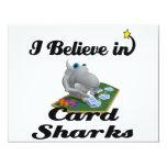 creo en tiburones de tarjeta anuncio