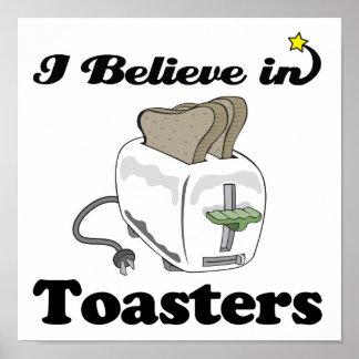 creo en tostadoras póster