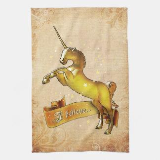 Creo en unicornios toalla de mano