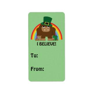 ¡Creo! Leprechaun Bigfoot Etiqueta De Dirección