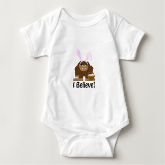 ¡Creo! Pascua Bigfoot Mameluco De Bebé
