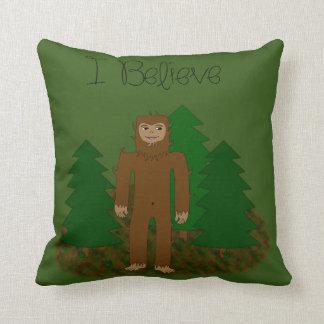 Creo que - Bigfoot - cambie el color Cojín