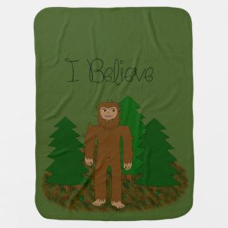 Creo que - Bigfoot - cambie el color Mantitas Para Bebé