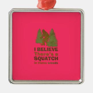 Creo que hay SQUATCH en rosa de estas maderas Adornos De Navidad