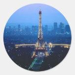 Crepúsculo de la torre Eiffel Etiqueta Redonda