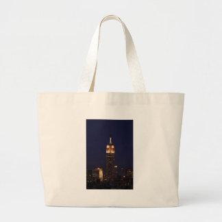 Crepúsculo: Empire State Building encendido encima Bolsa Tela Grande