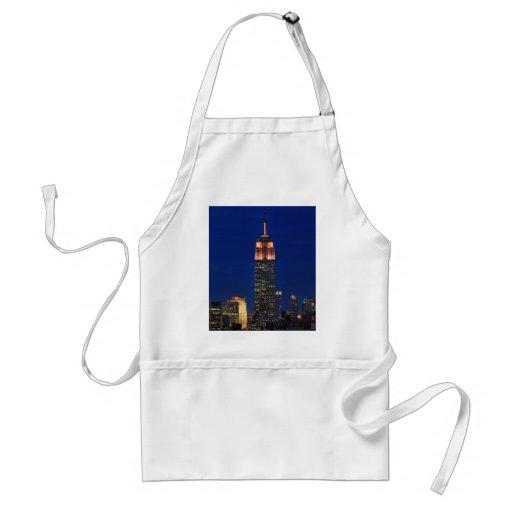Crepúsculo: Empire State Building encendido encima Delantal