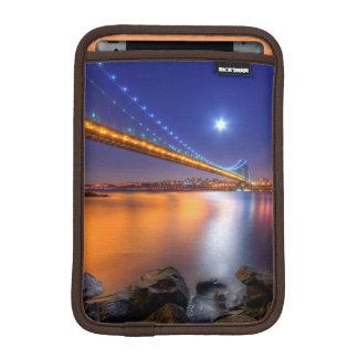 Crepúsculo, George Washington BridgePalisades, NJ. Fundas De iPad Mini