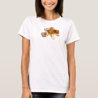 Crested gecko on a lilly flower  Ladies t-shirt