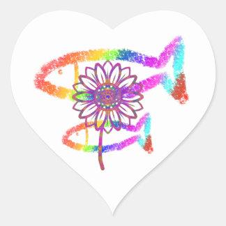 Creyón del arco iris pegatina en forma de corazón