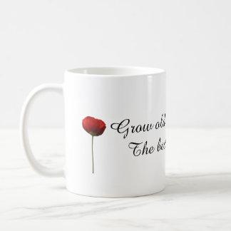 Crezca viejo junto con mí la taza roja del regalo