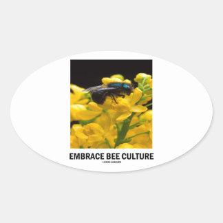 Cría de abeja del abrazo (abeja en la flor del calcomanía óval personalizadas