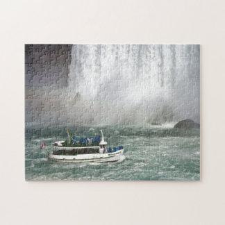 Criada de la niebla que incorpora las caídas puzzle con fotos