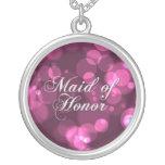 Criada del collar del honor [Bokeh rosado]