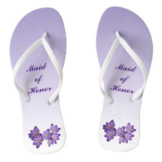 Criada floral púrpura del boda de los flips-flopes