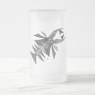 Criatura abstracta negra del mar del diseño #218 taza de cristal