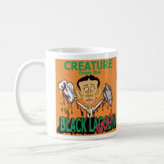 Criatura de la laguna negra (golfo) taza clásica
