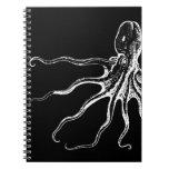Criatura ilustrada blanco y negro del mar del pulp libro de apuntes