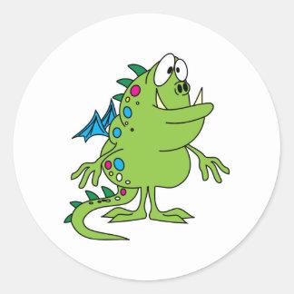 criatura linda del monstruo del dragón verde pegatinas redondas