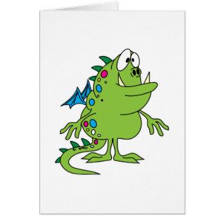 criatura linda del monstruo del dragón verde tarjeton