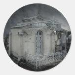 Cripta adornada del cementerio gótico pegatinas