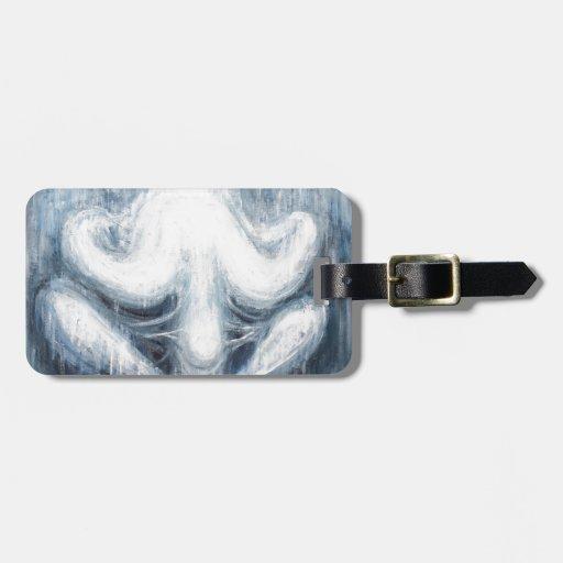 Crisálida humana azul (cuerpo humano surrealista) etiquetas maletas
