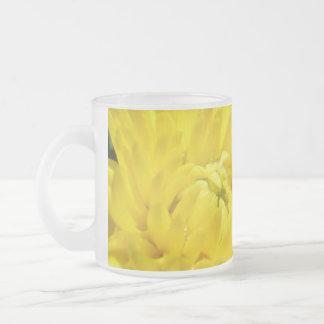 Crisantemo amarillo taza cristal mate