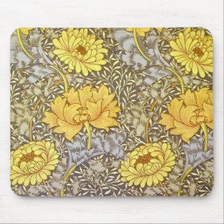 crisantemo de William Morris Mouse Pads