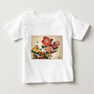 Crisantemo y la abeja de Hokusai el ' Playera De Bebé