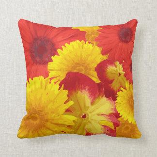 Crisantemos amarillos de las margaritas rojas bril cojines