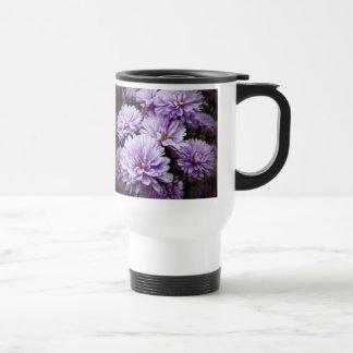 Crisantemos púrpuras de la neblina taza de viaje