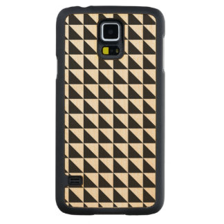 Crisp Black and White Triangles Carved® Maple Galaxy S5 Case