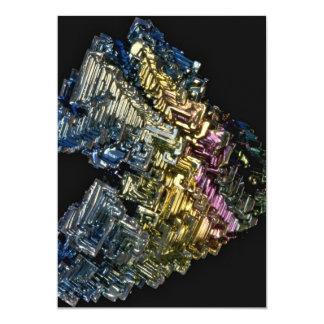 """Cristales brillantes del bismuto nativo invitación 5"""" x 7"""""""