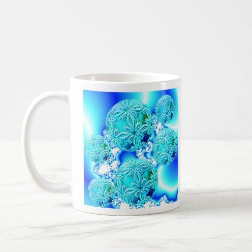 Cristales de hielo azules, espiral ciánico azul de taza