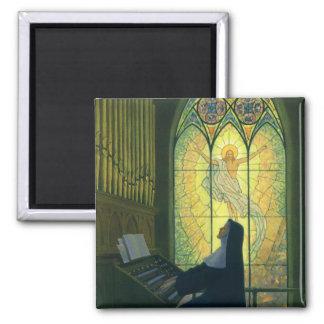 Cristianismo del vintage, monja que juega música imán cuadrado