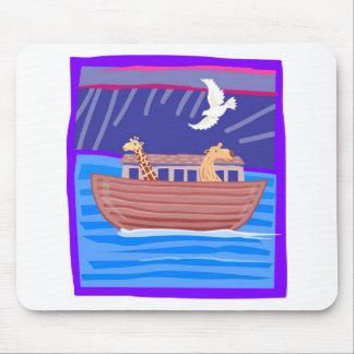 Cristiano artwork_2 de la arca de Noah Alfombrillas De Ratones